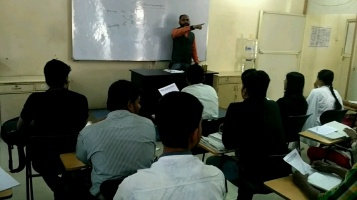 Best faculties for banking classes in Pune